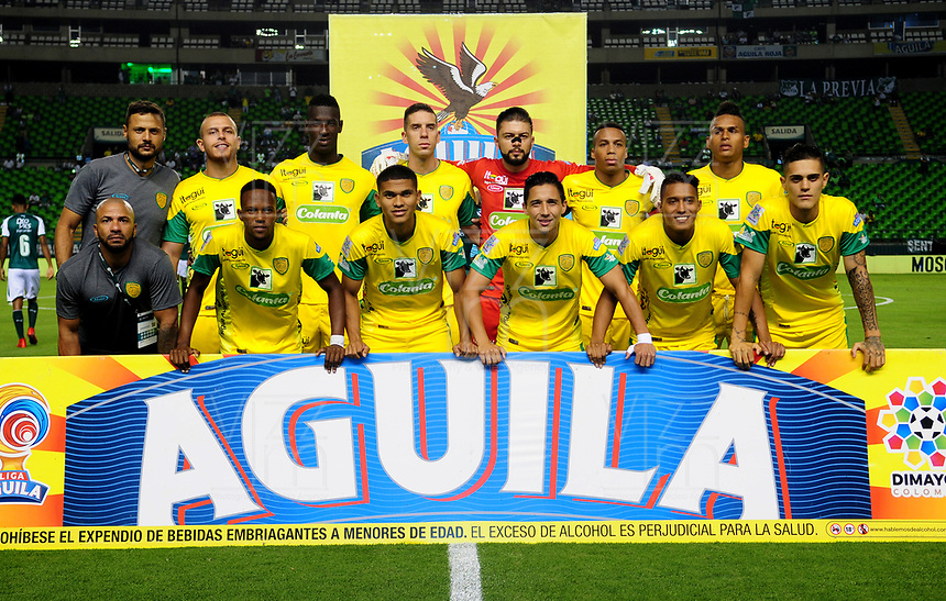 PALMIRA - COLOMBIA - 23 - 03 - 2018: Los jugadores de Leones F. C., posan para una foto, durante partido entre Deportivo Cali y Leones F. C., de la fecha 10 por la liga Aguila I 2018, jugado en el estadio Deportivo Cali (Palmaseca) en la ciudad de Palmira. / The players of Leones F. C., pose for a photo, during a match between Deportivo Cali and Leones F. C., of the 10th date for the Liga Aguila I 2018, at the Deportivo Cali (Palmaseca) stadium in Palmira city. Photo: VizzorImage  / Nelson Rios / Cont.