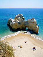 Portugal, Algarve, zwischen Portimão und Alvor: Praia Da Rocha | Portugal, Algarve, between Portimão and Alvor: Praia Da Rocha