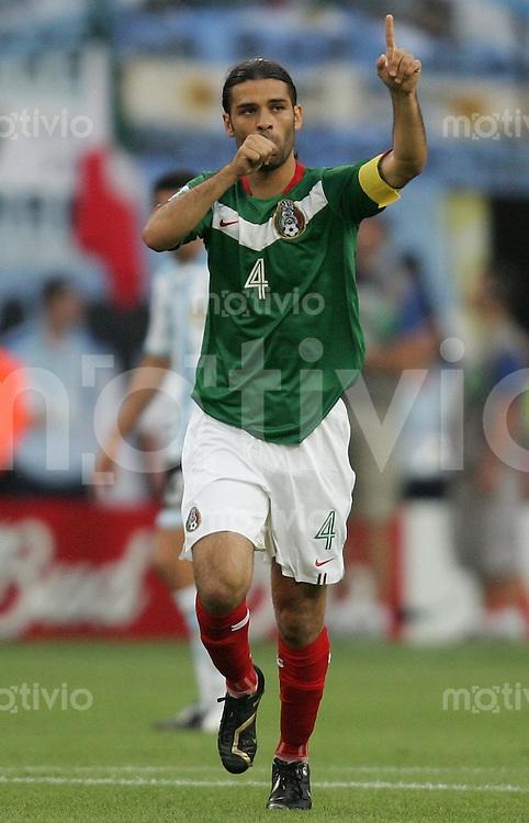 Fussball WM 2006  Achtelfinale   Argentinien - Mexiko , Argentina - Mexico  Rafael MARQUEZ (MEX) jubelt ueber das 1:0