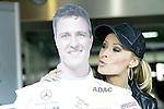Motorsport: DTM Hockenheimring Baden-W&uuml;rttemberg/D  2008 1. Lauf <br /> Cora Schumacher k&uuml;sst eine Pappfigur ihres Mannes Ralf<br /> <br /> <br /> <br /> Foto &copy; nph (nordphoto)
