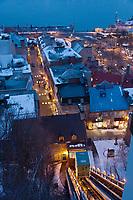 Amérique/Amérique du Nord/Canada/Québec/ Québec: vue sur le quartier Petit Champlain  du Vieux  Québec depuis le funiculaire - en fond le Saint-Laurent