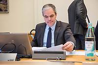 8. Sitzungstag des 1. Untersuchungsausschusses &quot;Terroranschlag Breitscheidplatz&quot; am Freitag den 5. Januar 2018.<br /> Als Zeugen fuer die 8. Sitzung des sog. &quot;Amri-Untersuchungsausschuss&quot; des Berliner Abgeordnetenhaus waren Behoerdenmitarbeiter aus Nordrhein-Westfalen, der Berliner Auslaenderbehoerde und dem Bundesinnenministerium geladen. Film-, Foto- und Tonaufnahmen von den Zeugen waren untersagt.<br /> Der Amri-Untersuchungsausschuss will versuchen die diversen Unklarheiten im Fall des Weihnachtsmarkt-Attentaeters zu aufzuklaeren.<br /> Im Bild: Burkard Dregger, Ausschussvorsitzender, CDU.<br /> 5.1.2018, Berlin<br /> Copyright: Christian-Ditsch.de<br /> [Inhaltsveraendernde Manipulation des Fotos nur nach ausdruecklicher Genehmigung des Fotografen. Vereinbarungen ueber Abtretung von Persoenlichkeitsrechten/Model Release der abgebildeten Person/Personen liegen nicht vor. NO MODEL RELEASE! Nur fuer Redaktionelle Zwecke. Don't publish without copyright Christian-Ditsch.de, Veroeffentlichung nur mit Fotografennennung, sowie gegen Honorar, MwSt. und Beleg. Konto: I N G - D i B a, IBAN DE58500105175400192269, BIC INGDDEFFXXX, Kontakt: post@christian-ditsch.de<br /> Bei der Bearbeitung der Dateiinformationen darf die Urheberkennzeichnung in den EXIF- und  IPTC-Daten nicht entfernt werden, diese sind in digitalen Medien nach &sect;95c UrhG rechtlich geschuetzt. Der Urhebervermerk wird gemaess &sect;13 UrhG verlangt.]