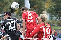 Kopfball Sarah Hagen (Bayern) gegen Peggy Kuznik (FFC) - 1. FFC Frankfurt vs. FC Bayern München