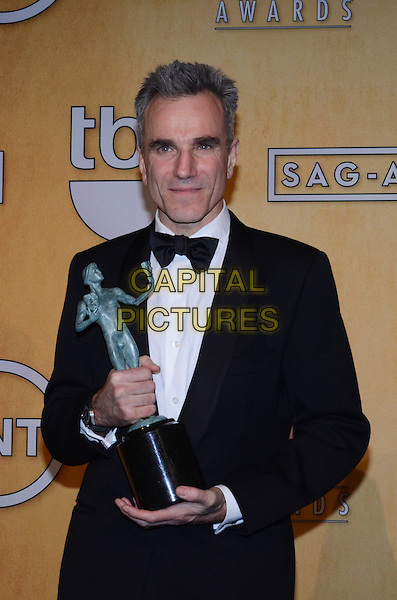 Daniel Day-Lewis.Pressroom at the 19th Annual Screen Actors Guild Awards held at The Shrine Auditorium, Los Angeles, California, USA..27th January 2013.SAG SAGs half length black tuxedo bow tie white shirt award trophy winner .CAP/ADM/TW.©Tonya Wise/AdMedia/Capital Pictures.
