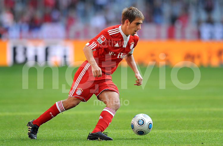 Fussball 1. Bundesliga :  Saison   2009/2010   8. Spieltag  03.10.2009 FC Bayern Muenchen - 1. FC Koeln Philipp Lahm  (FCB)