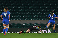 28th December 2019; Twickenham, London, England; Big Game 12 Womens Rugby, Harlequins versus Leinster; Jess Breach of Harlequins runs through and dives over to score a try - Editorial Use