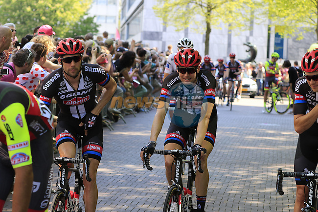 Team Giant-Alpecin riders arrive at sign on before the start of Stage 2 of the 2016 Giro d'Italia running 190km from Arnhem to Nijmegen, The Nethrerlands. 7th May 2016.<br /> Picture: Eoin Clarke | Newsfile<br /> <br /> <br /> All photos usage must carry mandatory copyright credit (&copy; Newsfile | Eoin Clarke)