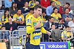 Rhein Neckar Loewe Andy Schmid (Nr.2) motiviert seine Mitspieler beim Spiel in der Handball Bundesliga, Rhein Neckar Loewen - VfL Gummersbach.<br /> <br /> Foto &copy; PIX-Sportfotos *** Foto ist honorarpflichtig! *** Auf Anfrage in hoeherer Qualitaet/Aufloesung. Belegexemplar erbeten. Veroeffentlichung ausschliesslich fuer journalistisch-publizistische Zwecke. For editorial use only.