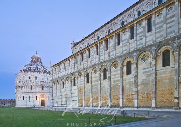Europe, Italy, Tuscany, Pisa, Cathedral Square (Piazza del Duomo),The Bapistry of St. Joh (Battistero di San Giovanni)  and Pisa Cathedral (Duomo) at Dawn