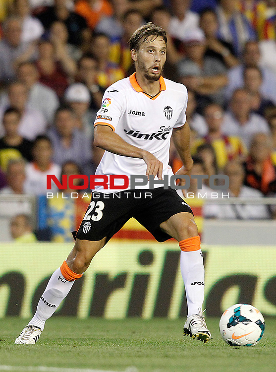 Valencia's Sergio Canales during La Liga match.September 1,2013. Foto © nph / Acero)
