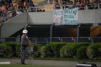 SÃO PAULO, SP 11.02.2019: PALMEIRAS-BRAGANTINO - Faixa de protesto. Palmeiras e Bragantino em jogo válido pela sexta rodada do campeonato Paulista 2019, no Pacaembu zona oeste da capital. (Foto: Ale Frata/Codigo19)