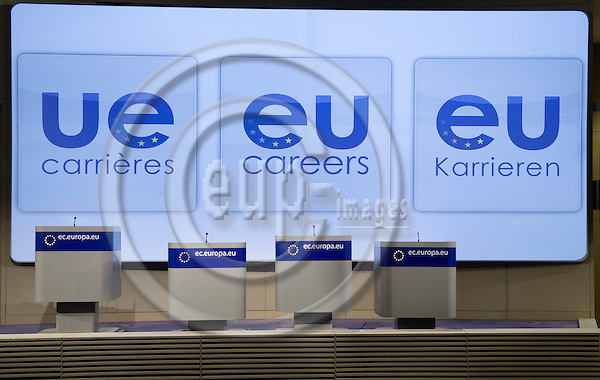 Brussels-Belgium - March 11, 2010 -- Pressroom in the HQ of the EC, announing new careers in the European Union (EU) -- Photo: Horst Wagner / eup-images