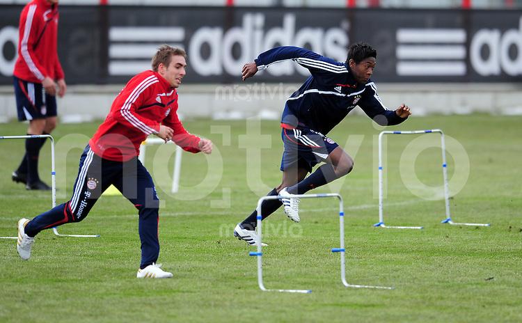 Fussball 1. Bundesliga :  Saison   2009/2010    Training beim FC Bayern Muenchen 22.02.2010 Philipp Lahm  mit David Alaba (v. li., FCB)