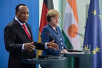 Berlin, 20130508CB027, Bundeskanzlerin Angela Merkel (CDU) und der Staatspräsident der Republik Niger, Mahamadou Issoufou, am Mittwoch (08.05.13) im Bundeskanzleramt in Berlin bei einer Pressebegegnung