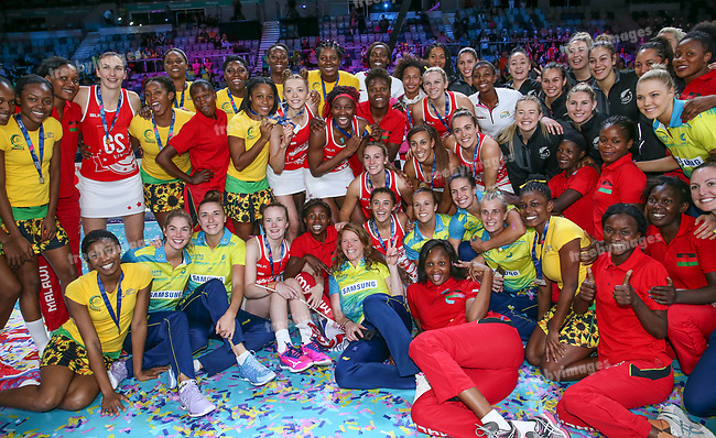 29/10/17 Fast5 2017<br /> Fast 5 Netball World Series<br /> Hisense Arena Melbourne<br /> Grand Final Jamaica v England<br /> <br /> Group image<br /> <br /> <br /> <br /> <br /> Photo: Grant Treeby