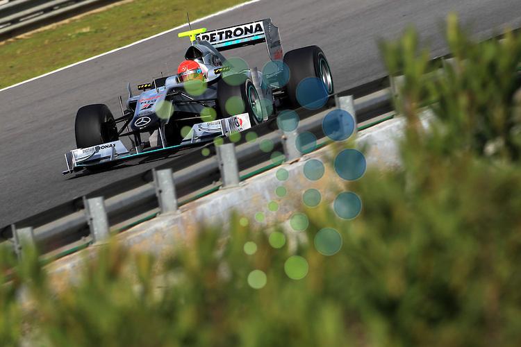 F1 Tests, Jerez Spain  10. - 14. February 2010.Michael Schumacher (GER), Mercedes GP ..Hasan Bratic;Koblenzerstr.3;56412 Nentershausen;Tel.:0172-2733357;.hb-press-agency@t-online.de;http://www.uptodate-bildagentur.de;.Veroeffentlichung gem. AGB - Stand 09.2006; Foto ist Honorarpflichtig zzgl. 7% Ust.;Hasan Bratic,Koblenzerstr.3,Postfach 1117,56412 Nentershausen; Steuer-Nr.: 30 807 6032 6;Finanzamt Montabaur;  Nassauische Sparkasse Nentershausen; Konto 828017896, BLZ 510 500 15;SWIFT-BIC: NASS DE 55;IBAN: DE69 5105 0015 0828 0178 96; Belegexemplar erforderlich!..