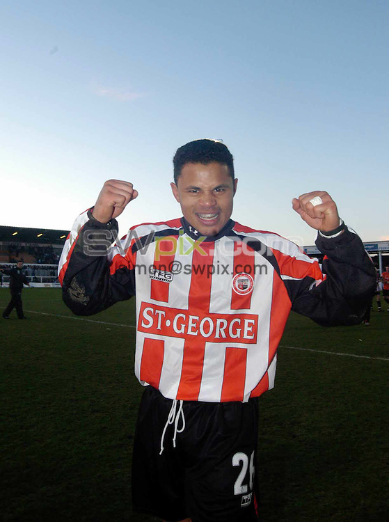 Pics: Chris Whiteoak/SWpix: Football, FA Cup 4th Round replay, Hartlepool v Brentford. 12/2/05..Brentford's John Salako celebrates the teams win