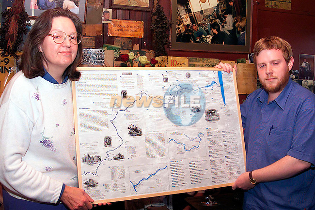 Una Sheehan and Diarmaid McCullen at the launch of Susan Connolly's map in Carberry's pub..Picture: Paul Mohan/Newsfile