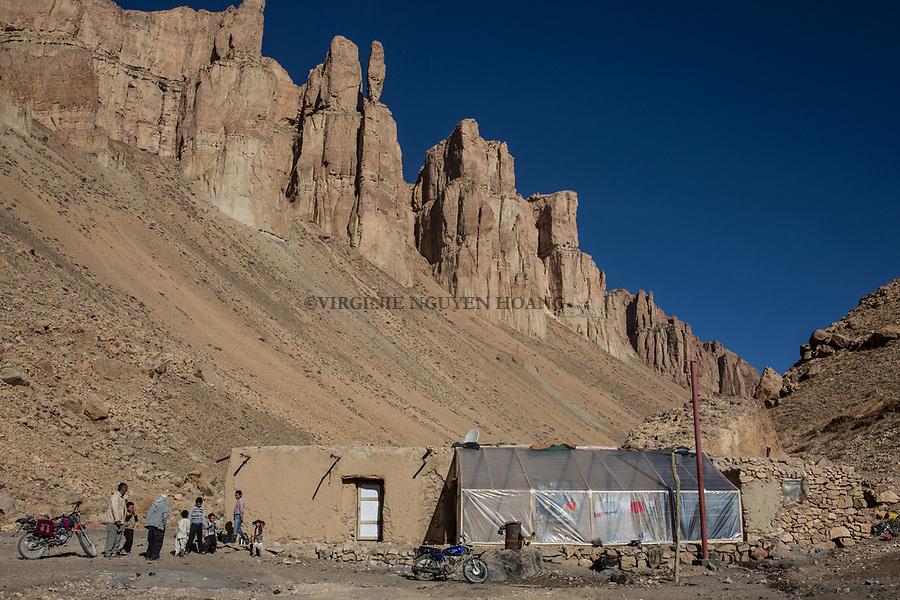 Hamina's house isolated from the other villages and at 30min drive from the Band-e Amir park,  Band-e Amir, Afghanistan, 10th November 2017.<br /> <br /> La maison d'Hamina loing des autres villages et &agrave; 30min de route du parc de Band-e Amir, 10 novembre 2017.
