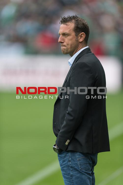 09.04.2016, Weserstadion, Bremen, GER, 1.FBL, Werder Bremen vs FC Augsburg, <br /> <br /> im Bild / picture shows<br /> Markus Weinzierl (Trainer FC Augsburg), <br /> <br /> Foto &copy; nordphoto / Ewert