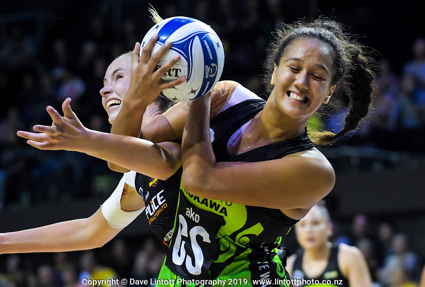 Aaliyah Dunn beats Kelly jury to the ball during the ANZ Premiership netball match between Central Pulse and WBOP Magic at TSB Bank Arena in Wellington, New Zealand on Sunday, 21 April 2019. Photo: Dave Lintott / lintottphoto.co.nz