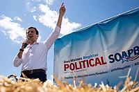 Peter Buttigieg Campaigns in Iowa