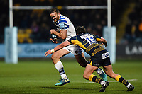 Jamie Roberts of Bath Rugby takes on the Worcester Warriors defence. Gallagher Premiership match, between Worcester Warriors and Bath Rugby on January 5, 2019 at Sixways Stadium in Worcester, England. Photo by: Patrick Khachfe / Onside Images