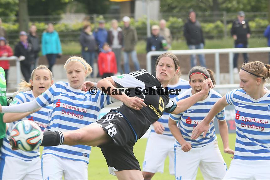 Chance fuer Kerstin Garefrekes (FFC) - 1. FFC Frankfurt vs. MSV Duisburg