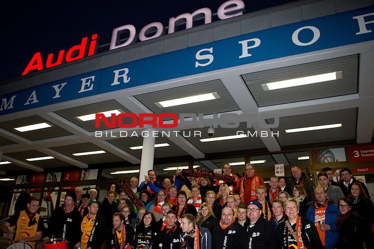 15.12.2013, Audi Dome, Muenchen, GER, Beko BBL, FC Bayern Muenchen vs. RASTA Vechta, im Bild Rasta Fans vor dem Audi Dome<br /> <br /> Foto &copy; nordphoto / Straubmeier