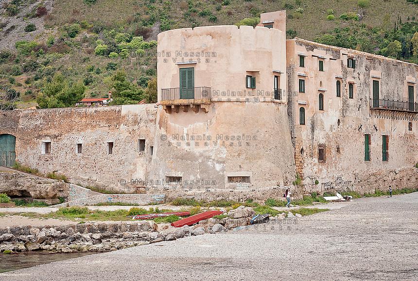 Vergine Maria beach was once the seat for fishing tuna in Palermo<br /> La Tonnara  della borgata di Vergine Maria a Palermo.