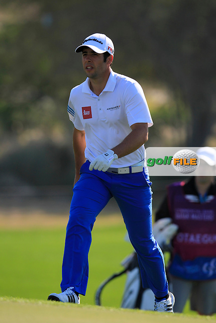 Adrian OTAEGUI (ESP) on the 10th green during Wednesday's Round 1 of the 2015 Commercial Bank Qatar Masters held at Doha Golf Club, Doha, Qatar.: Picture Eoin Clarke, www.golffile.ie: 1/21/2015