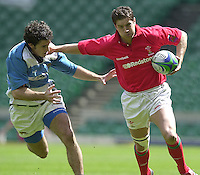 25/05/2002 (Saturday).Sport -Rugby Union - London Sevens.Wales vs Argentina.Craig Richards[Mandatory Credit, Peter Spurier/ Intersport Images].