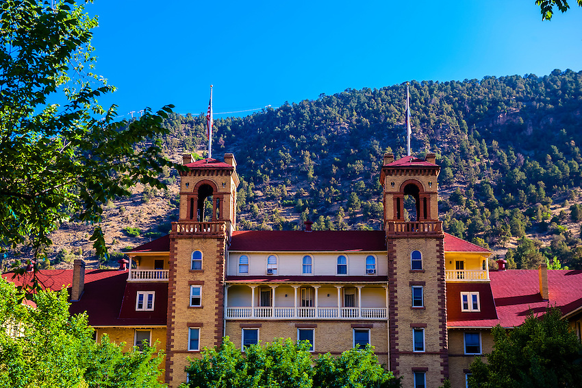 Glenwood Springs Hotel Deals