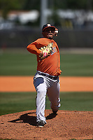 Houston Astros pitcher Luis Cruz (77) during a minor league spring training game against the Atlanta Braves on March 29, 2015 at the Osceola County Stadium Complex in Kissimmee, Florida.  (Mike Janes/Four Seam Images)