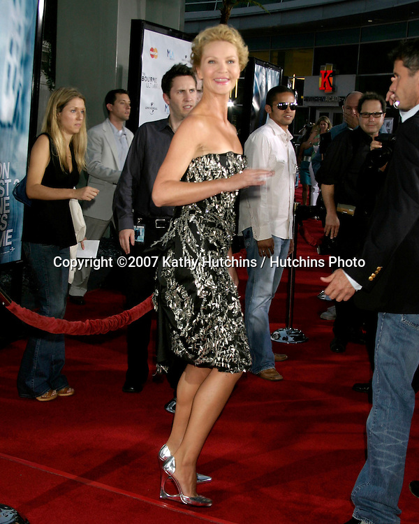 "Joan Allen.""The Bourne Ultimatum"" World Premiere.ArcLight Theater.Los Angeles, CA.July 25, 2007.©2007 Kathy Hutchins / Hutchins Photo...."