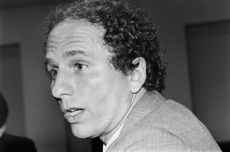 Close Up of Sen. Paul Wellstone, DFL-Minn. December 12, 1994 (Photo By Laura Patterson/CQ Roll Call)