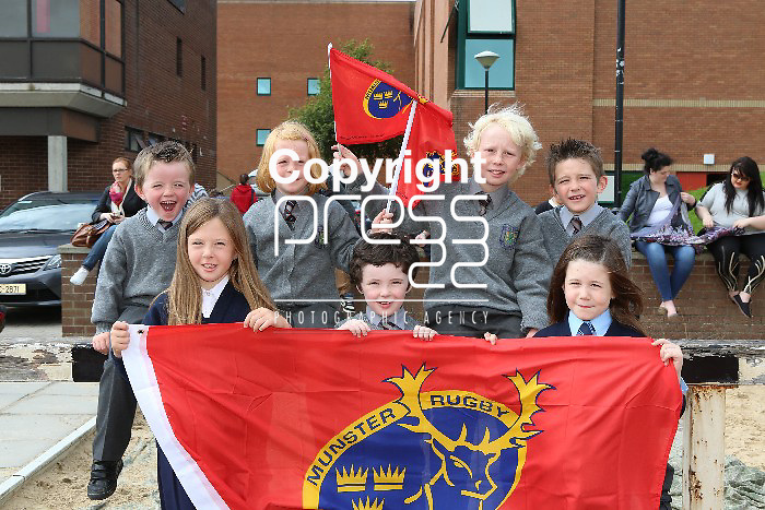 12/9/2012  With compliments Bfrown Thomas Corl and Limerick are once again returning as the official formal wear paartner to the Munster Rugby team, as well as launching the new primary schools initiative. Present at the photocall  Photographs Liam Burke/Press 22