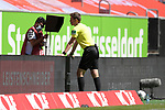 Schiedsrichter Daniel SIEBERT in der Review Area,VAR<br /><br />Fussball 1. Bundesliga, 33.Spieltag, Fortuna Duesseldorf (D) -  FC Augsburg (A), am 20.06.2020 in Duesseldorf/ Deutschland. <br /><br />Foto: AnkeWaelischmiller/Sven Simon/ Pool/ via Meuter/Nordphoto<br /><br /># Editorial use only #<br /># DFL regulations prohibit any use of photographs as image sequences and/or quasi-video #<br /># National and international news- agencies out #