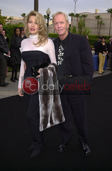 Linda Kozlowski and Paul Hogan