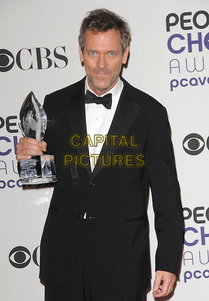 HUGH LAURIE.The 35th Annual People's Choice Awards held at The Shrine Auditorium in Los Angeles, California, USA..January 7th, 2009.Pressroom press room half length award trophy black tuxedo jacket stubble facial hair .CAP/DVS.©Debbie VanStory/Capital Pictures.