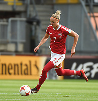 20170803 - BREDA , NETHERLANDS : Danish Sanne Troelsgaard  pictured during the female soccer game between Denmark and Austria  , the semi final at the Women's Euro 2017 , European Championship in The Netherlands 2017 , Thursday 3th of August 2017 at Stadion Rat Verlegh in Breda , The Netherlands PHOTO SPORTPIX.BE | DIRK VUYLSTEKE