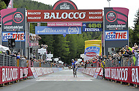 ITALIA - 29-05-2014. Julian Arredondo, ciclista colombiano del equipo Trek gana la etapa 18 entre Belluno y Panarotta sobre 171 kilómetros, y se ha apuntado la victoria en la cima de Panarotta en la versión 97 del Giro de Italia / Julian Arredondo, Colombian cyclist of the Trek Team wins the stage 18 between Belluno and Panarotta about 171 kilometers, and has registered the win on top of Panarotta in version 97 of the Giro d'Italia.    Photo: VizzorImage/ Marco Alpozzi / LaPresse……….VIZZORIMAGE PROVIDES THE ACCESS TO THIS PHOTOGRAPH ONLY AS A PRESS AND EDITORIAL SERVICE AND NOT IS THE OWNER OF COPYRIGHT; ANOTHER USE HAVE ADDITIONAL PERMITS AND IS  REPONSABILITY OF THE END USER