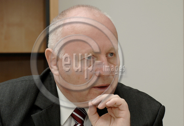 Brussels-Belgium - 01 June 2006---Prof. Dr. Georg MILBRADT, Prime Minister / President of the Government of the Free State of Saxony / Germany, during a press briefing---Photo: Horst Wagner/eup-images