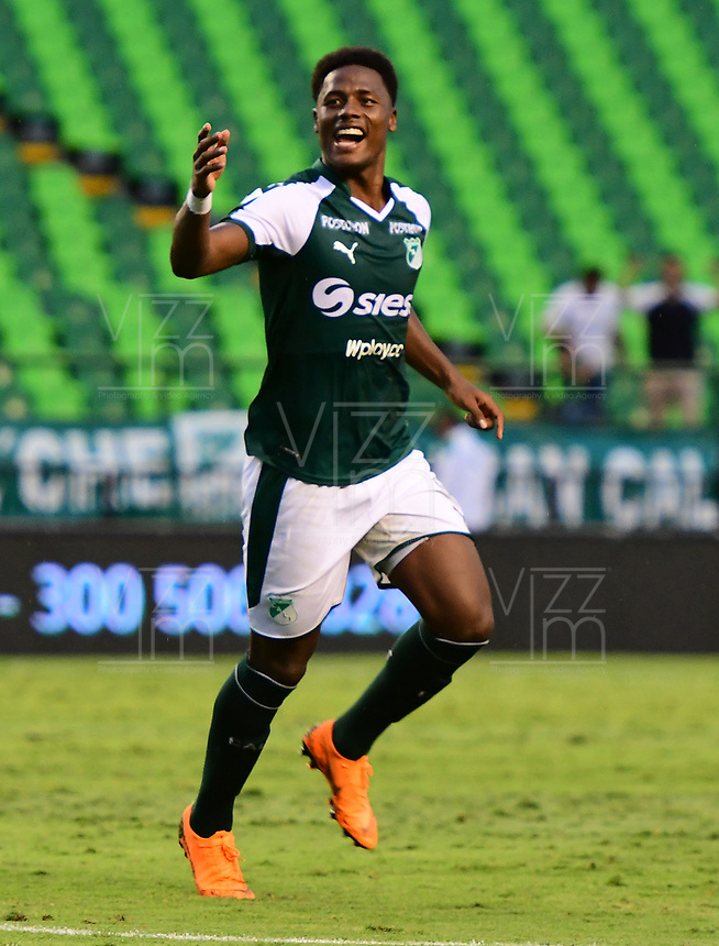 PALMIRA - COLOMBIA, 27-10-2018: Dany Rosero Valencia jugador del Deportivo Cali celebra después de anotar el segundo gol de su equipo a Jaguares de Córdoba durante partido por la fecha 17 de la Liga Águila II 2017 jugado en el estadio Palmaseca de la ciudad de Palmira. / Dany Rosero Valencia player of Deportivo Cali celebrates after scoring the second goal of his team to Jaguares de Cordoba during match for the date 17 of the Aguila League II 2017 played at Palmaseca stadium in Palmira city.  Photo: VizzorImage/ Nelson Rios / Cont