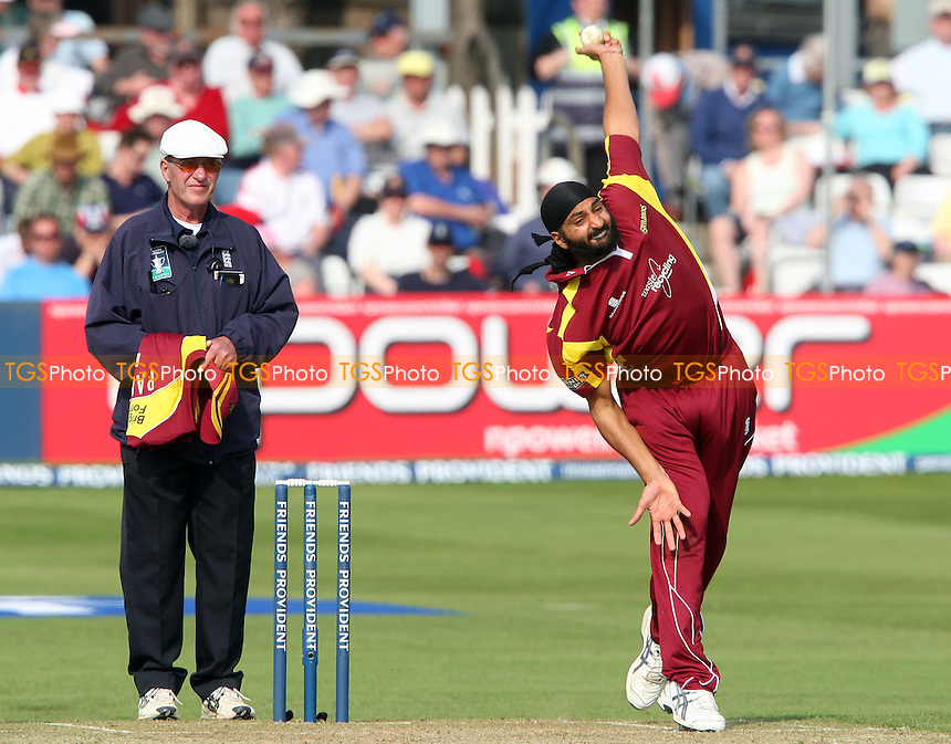 Monty Panesar of Northants in bowling action - Essex Eagles v Northants Steelbacks, Friends Provident Trophy Group D at Chelmsford, Essex - 19/04/09 - MANDATORY CREDIT: Rob Newell/TGSPHOTO - Self billing applies where appropriate - 0845 094 6026 - contact@tgsphoto.co.uk - NO UNPAID USE.