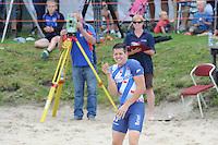 FIERLJEPPEN: WINSUM: Accommodatie 'St. Japik', St. Fierljep-akkommodaasje Winsum, 11-08-2012, Fries kampioenschap 2012, Senioren, Bart Helmholt (#97) na z'n winnende sprong, 20,17m, ©foto Martin de Jong