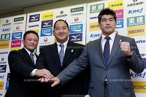 (L-R)  /Ryuji Sonoda,  Hitoshi Saito, Kosei Inoue, NOVEMBER 5, 2012 - Judo : New signing Kosei Inoue of men's Judo Japan national team head coach during the press conference at Kodokan, Tokyo, Japan. (Photo by AFLO SPORT) [1156] .