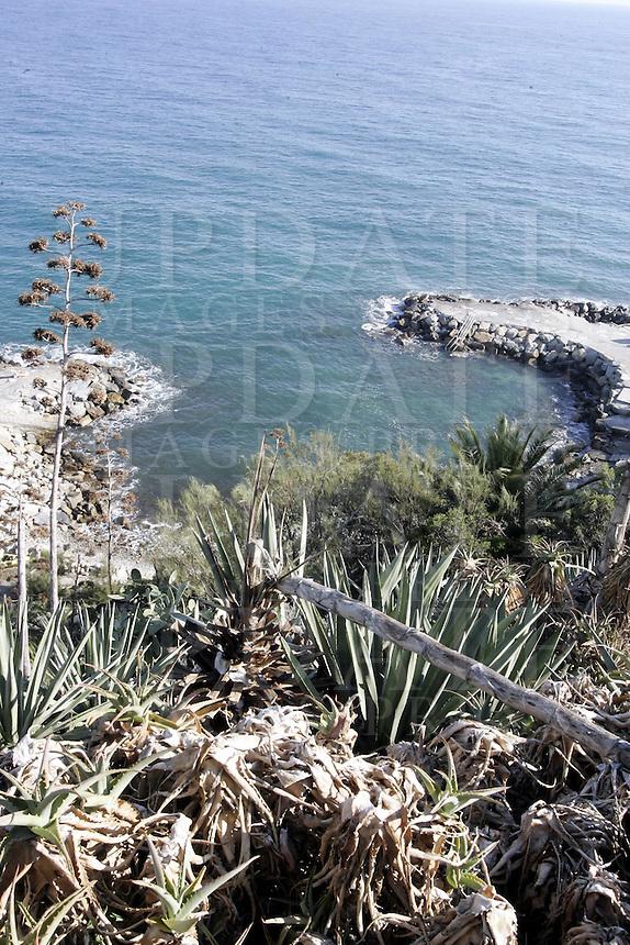 Una veduta della costa nei pressi di Sanremo.<br /> A view of the coast near Sanremo.<br /> UPDATE IMAGES PRESS/Riccardo De Luca