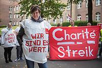 Streik am Uniklinikum Charite in Berlin.<br /> Die Dienstleistungsgewerkschaft ver.di hat die Beschaeftigten der Charite ab der Fruehschicht am Montag den 18. September 2017 zum Streik aufgerufen. Anlass sind die festgefahrenen Verhandlungen ueber die Verbesserung und Weiterfuehrung des Tarifvertrages fuer Gesundheitsschutz (TV- GS). Zum Streik sind alle Beschaeftigten an allen Standorten der Charité (Benjamin Franklin, Mitte und Virchow, Buch) aufgerufen.<br /> Die Gewerkschaft hatte den befristeten Tarifvertrag zu Ende Juni auslaufen lassen, da nach ihrer Ansicht die 2015 vereinbarten Regelungen zur Entlastung des Personals nur unzureichend umgesetzt wurden. Die Kritik, vor allem aus dem Kreis der Pflegenden, richtet sich gegen die unzureichende Personalausstattung auf den Stationen und vielen Funktions- und Arbeitsbereichen. Massnahmen zur Vermeidung bzw. zum Ausgleich von ueberlastung wurden nur unzureichend bzw. gar nicht eingeleitet.<br /> Im Bild: Beate S. Servicekraft in den Abteilungen Orthopaedie und HNO.<br /> 19.9.2017, Berlin<br /> Copyright: Christian-Ditsch.de<br /> [Inhaltsveraendernde Manipulation des Fotos nur nach ausdruecklicher Genehmigung des Fotografen. Vereinbarungen ueber Abtretung von Persoenlichkeitsrechten/Model Release der abgebildeten Person/Personen liegen nicht vor. NO MODEL RELEASE! Nur fuer Redaktionelle Zwecke. Don't publish without copyright Christian-Ditsch.de, Veroeffentlichung nur mit Fotografennennung, sowie gegen Honorar, MwSt. und Beleg. Konto: I N G - D i B a, IBAN DE58500105175400192269, BIC INGDDEFFXXX, Kontakt: post@christian-ditsch.de<br /> Bei der Bearbeitung der Dateiinformationen darf die Urheberkennzeichnung in den EXIF- und  IPTC-Daten nicht entfernt werden, diese sind in digitalen Medien nach §95c UrhG rechtlich geschuetzt. Der Urhebervermerk wird gemaess §13 UrhG verlangt.]