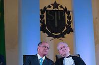 SAO PAULO, SP, 25.01.2014 - POSSE REITOR DA USP - Governador de Sao Paulo, Geraldo Alckmin (e) e reitor Marcos Zaco durante posse do novo reitor da USP, Marco Antonio Zago no Auditório Ulysses Guimarães, no Palácio dos Bandeirantes na região sul da cidade de Sao Paulo, deste sábado, 25. Zago é professor titular da USP desde 1990. Dentre outros cargos, foi presidente do Conselho Nacional do Desenvolvimento Científico e Tecnológico (CNPq) entre 2007 e 2010. Desde 2010, era pró-reitor de Pesquisa da USP.(Foto: Vanessa Carvalho / Brazil Photo Press).
